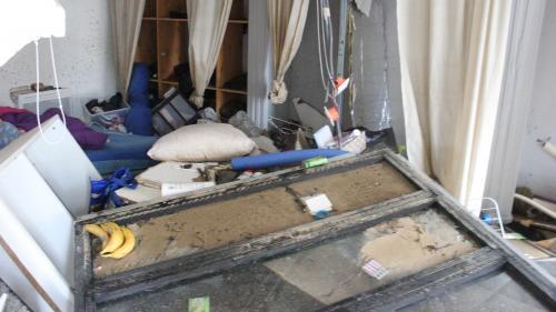 """""""Tout a été arraché"""" : des sinistrés font leur retour chez eux après les inondations dans l'Aude"""