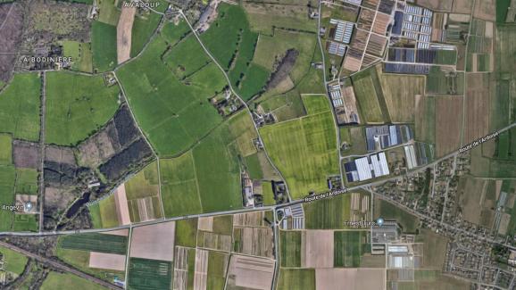 L\'intoxication de Brain-sur-l\'Authion (Maine-et-Loire) est partie du champ en vert clair, au centre de l\'image.