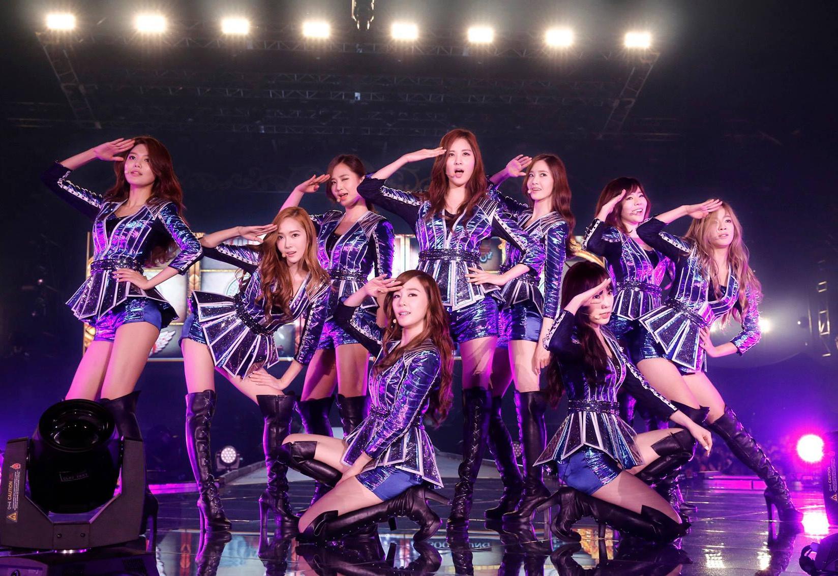 Le groupe de K-pop Girls\' Generation lors de sa tournée en 2014.