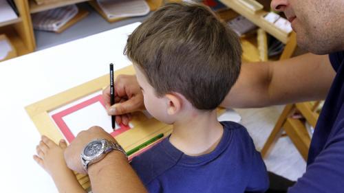 Le vrai du faux. Non, un enfant de 4 ans de milieu aisé n'a pas entendu 30 millions de mots de plus qu'un enfant d'une famille démunie