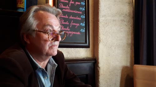 """""""Jean-Luc Mélenchon est quelqu'un d'un peu sanguin donc il se fâche"""" : le soutien indéfectible d'un Insoumis parisien"""