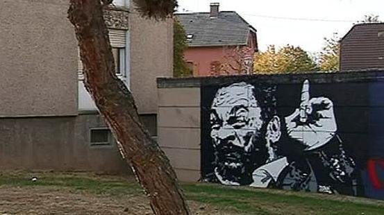 nouvel ordre mondial | Bas-Rhin : une fresque représentant Dieudonné fait polémique à Sélestat