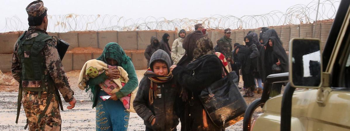 """""""Les gens n'ont rien pour faire face à l'hiver"""" : la situation catastrophique dans le camp de déplacés de Rukban, à la frontière entre la Syrie et la Jordanie"""