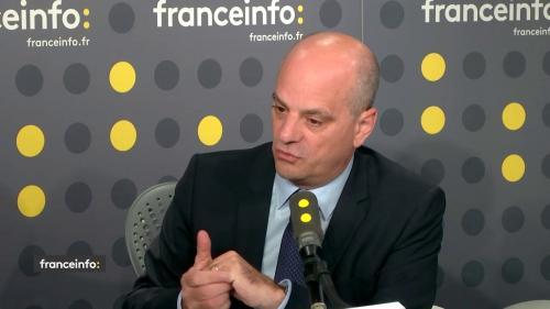 """Enseignante braquée : """"Les réponses de Jean-Michel Blanquer ne sont pas connectées à la situation"""", regrettent les syndicats"""