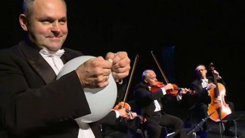 VIDEO. MozART Group, le quatuor qui révise les classiques avec humour
