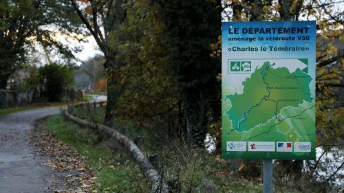 https://www.francetvinfo.fr/image/75j17i1nr-cdfc/500/281/16017429.jpg