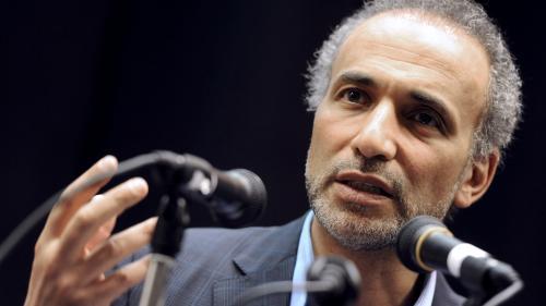 INFO FRANCEINFO. Tariq Ramadan contre-attaque en dévoilant des SMS envoyés par l'une de ses accusatrices