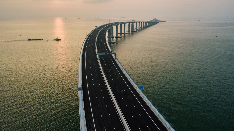 la chine inaugure un pont maritime de 55 km entre hong kong et macau le plus long au monde. Black Bedroom Furniture Sets. Home Design Ideas