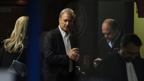 """""""Je suis totalement innocent"""", clame Georges Tron au premier jour de son procès pour viols et agressions sexuelles"""