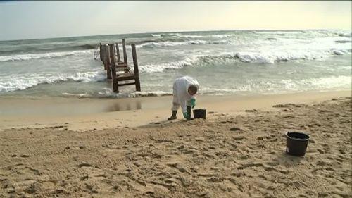 Collision au large de la Corse : 37 plages varoises touchées par une pollution aux hydrocarbures