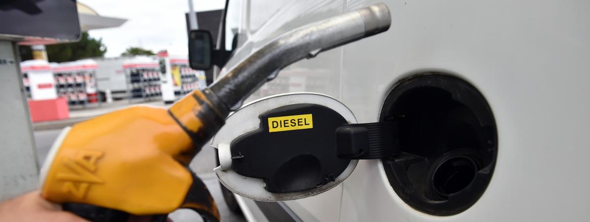 Le nombre de véhicules diesel en circulation a reculé en 2017, une premièredepuis 1990.