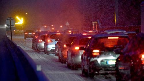 Neige : en Haute-Loire, 800 véhicules bloqués et 4 200 foyers privés d'électricité