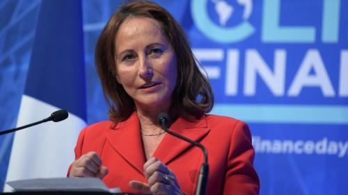 """Prix des carburants : """"L'art de gouverner c'est de se remettre en cause"""", estime Ségolène Royal"""