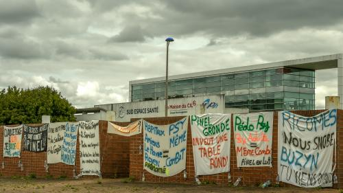 Amiens: après plus de trois mois de mobilisation, fin du campement devant l'hôpital psychiatrique Pinel