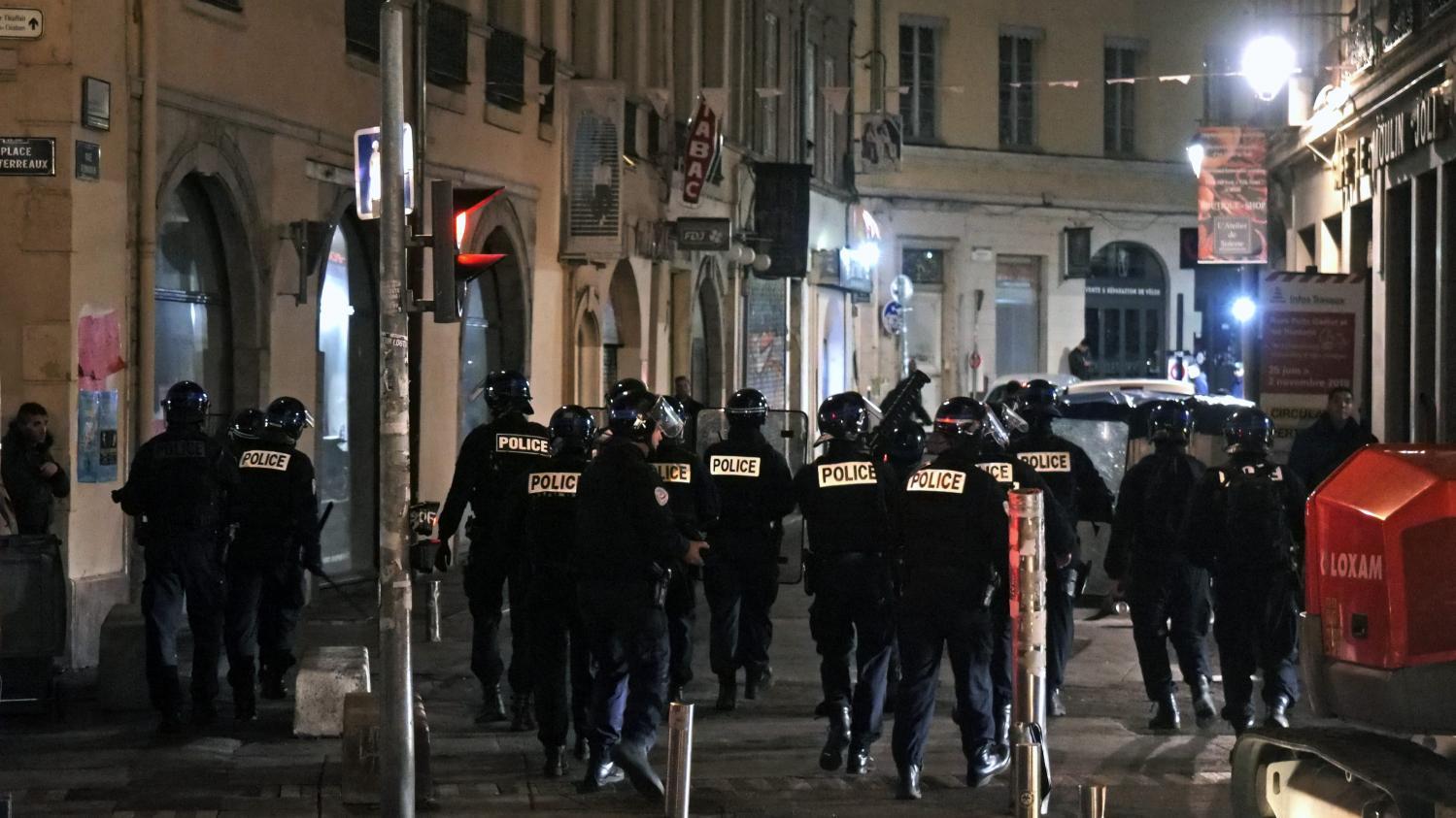 Violences lors de la nuit d 39 halloween lyon un homme - Chambre nationale des huissiers de justice resultat examen ...