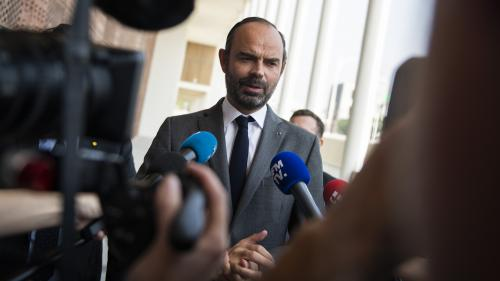 """Hausse des taxes sur le carburant : """"Il n'y a pas le choix"""", selon Edouard Philippe"""