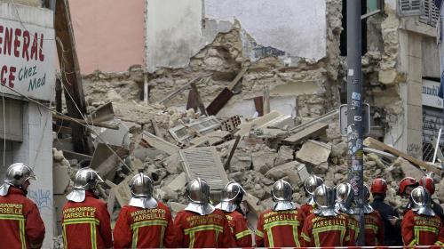 Deux immeubles s'effondrent à Marseille, des recherches en cours pour retrouver d'éventuelles victimes