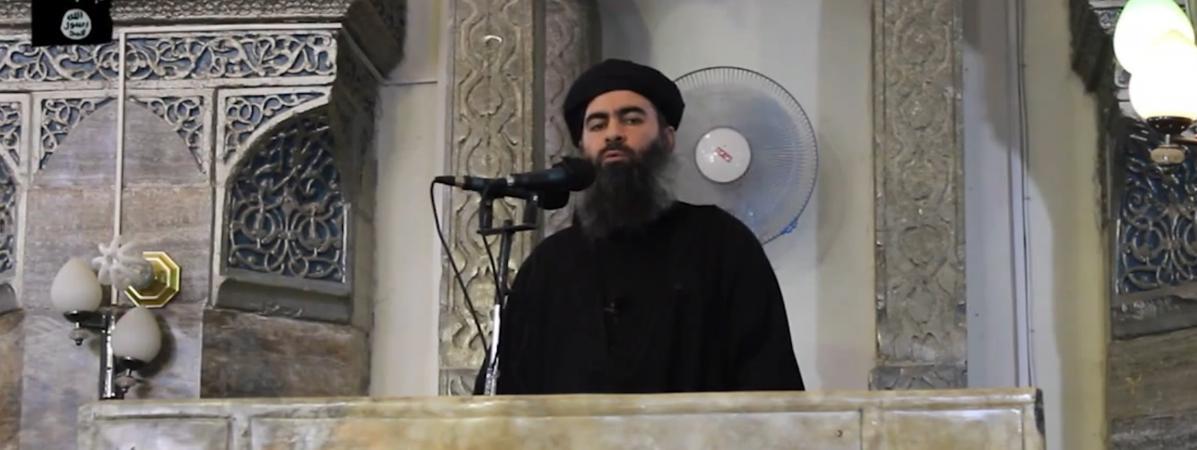 Image extraite d\'une vidéo de propagande, où s\'exprimeAbu Bakr al-Baghdadi, à Mossoul, en juillet 2014.