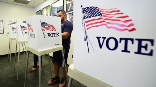 DIRECT. Midterms 2018 : les bureaux de vote viennent d'ouvrir aux Etats-Unis. Suivez cette journée cruciale pour Donald Trump avec nous