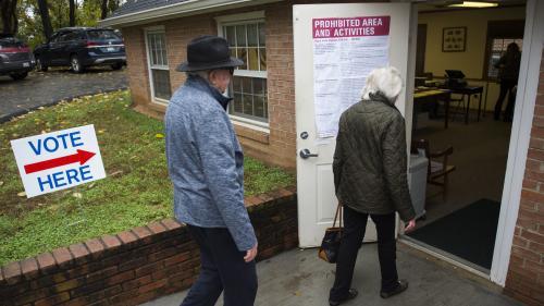 Midterms 2018 : machines en panne, bulletins rejetés... Des anomalies signalées alors que les Américains affluent pour voter