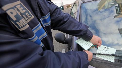 """Hausse des prix du carburant : un syndicat de police appelle à une """"journée zéro PV"""" le 17 novembre"""