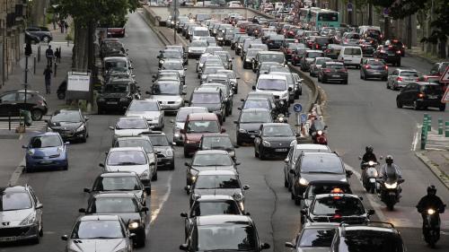 """""""Ce n'est pas un choix, c'est une absence de choix"""" : ils prennent leur voiture tous les jours pour faire de courtes distances"""
