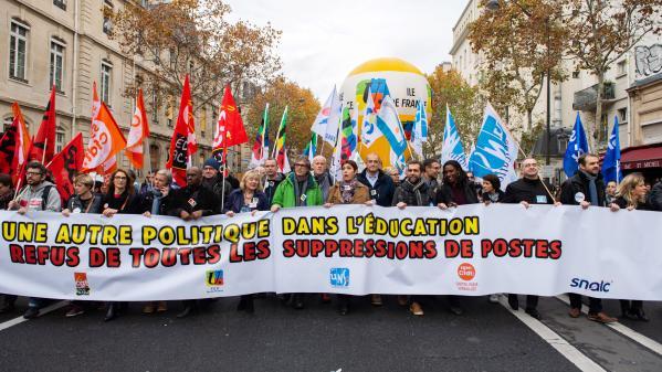 Éducation : des enseignants en colère défilent dans toute la France