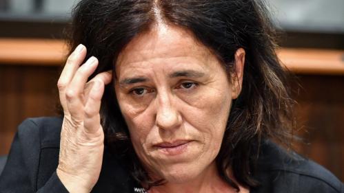 """""""C'est très dur d'être confrontée à la réalité"""" : au premier jour de son procès, la mère de Séréna face au mal fait à sa fille"""