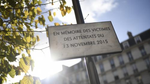 DIRECT. Attentats du 13-Novembre : le Premier ministre dépose une gerbe au Stade de France lors de l'hommage aux victimes
