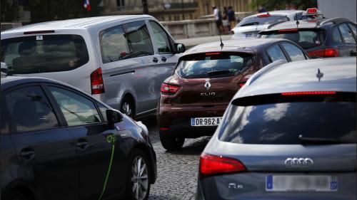 """""""On n'a pas tous les moyens de changer de véhicule"""": les automobilistes partagés par l'interdiction du diesel dans le Grand Paris"""