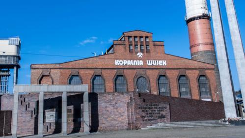 """""""On a vingt ans de retard"""" : avant d'accueillir la COP24, Katowice fait mine de combattre la pollution"""