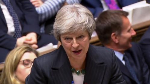 VIDEO. Brexit: Theresa May huée par les députés britanniques après avoir expliqué l'accord avec l'Union européenne