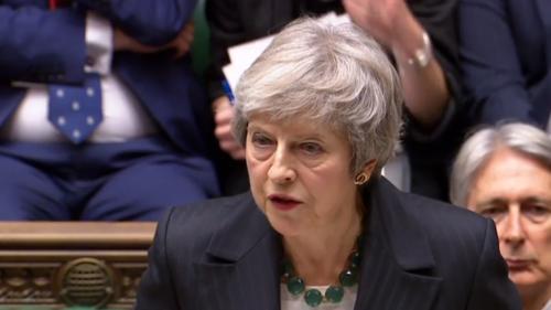 """DIRECT. """"J'irai jusqu'au bout"""" : contestée, Theresa May défend le projet d'accord sur le Brexit"""