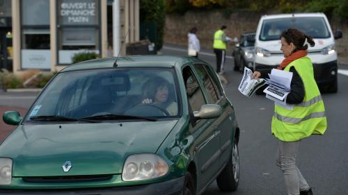 """Blocages du 17 novembre : 74% des Français soutiennent toujours les """"gilets jaunes"""""""