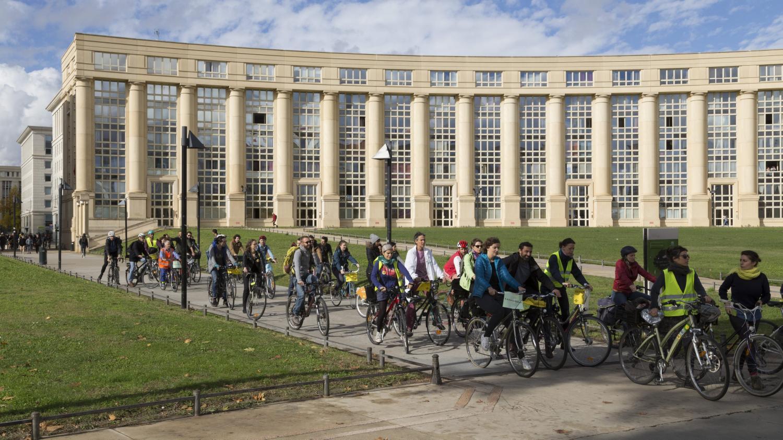 blocages du 17 novembre une mobilisation qui divise automobilistes et cyclistes. Black Bedroom Furniture Sets. Home Design Ideas