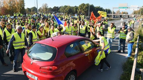"""Mobilisation des """"gilets jaunes"""" : pourquoi les blocages du 17 novembre ont dégénéré"""
