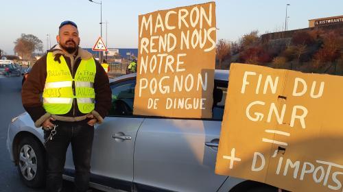 """""""Ce n'est pas qu'une question d'essence"""" : à Reims, quatre """"gilets jaunes"""" expliquent les raisons de leur colère"""