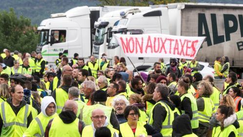 """DIRECT. Mobilisation des """"gilets jaunes"""" : plus de 124 000 manifestants et plus de 2 000 rassemblements à la mi-journée, selon le ministère de l'Intérieur"""