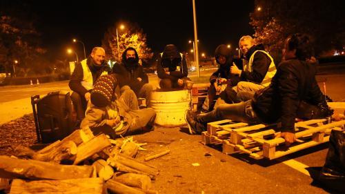 """DIRECT. Mobilisation des """"gilets jaunes"""": plus de 400blessés, dont 14gravement, selon un nouveau bilan du ministre de l'Intérieur"""