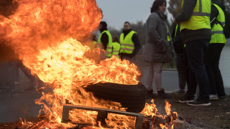"""""""Gilets jaunes"""" : un dimanche de blocages"""