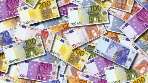 """""""Cash back"""" : pourquoi les Français délaissent l'argent liquide"""