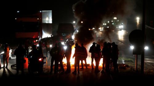 """DIRECT. Blocages des """"gilets jaunes"""" : un jeune manifestant grièvement blessé cette nuit en Haute-Marne"""