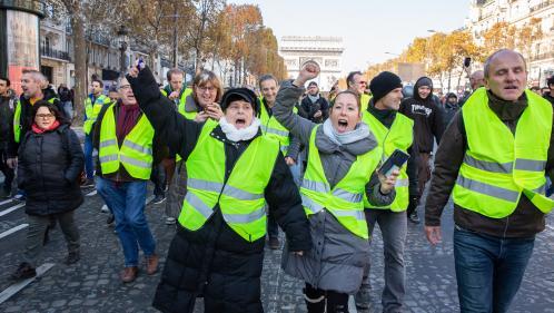 """Blocages des """"gilets jaunes"""" : les manifestants appellent à une journée d'actions samedi à Paris"""
