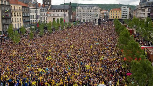 """Mobilisation des """"gilets jaunes"""" : trois intox qui ont circulé ce week-end sur les réseaux sociaux"""