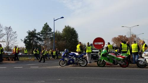 """""""On ne pouvait pas ne pas en faire partie"""" : FO Transports appelle à rejoindre le mouvement des """"gilets jaunes"""""""