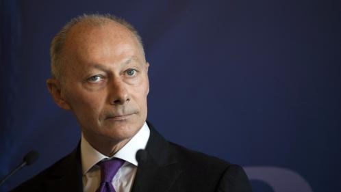Renault : Carlos Ghosn reste PDG du groupe, le numéro 2 Thierry Bolloré assure l'intérim