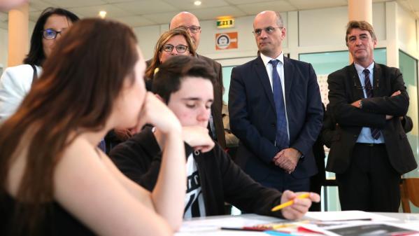 """Faire des choix dès la seconde est """"une très bonne chose"""" : le ministre de l'Education défend sa réforme auprès des lycéens"""