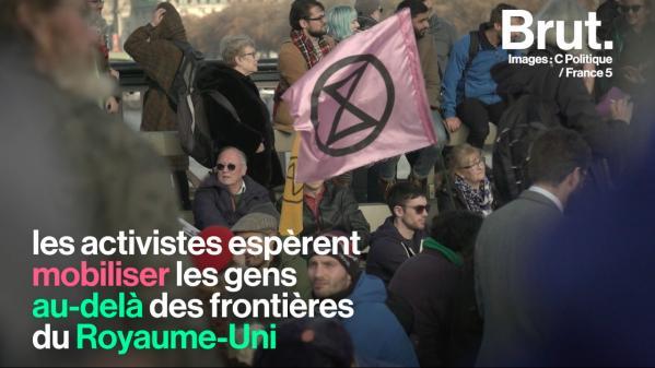 VIDEO. À Londres, des milliers d'activistes bloquent des ponts pour dénoncer l'inaction politique sur le climat