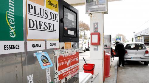"""CARTE. """"Gilets jaunes"""" : plusieurs dizaines de stations essence en pénurie totale ou partielle de carburants"""