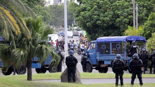 """DIRECT. Blocages des """"gilets jaunes"""" : à La Réunion, les services publics et administrations restent fermés"""